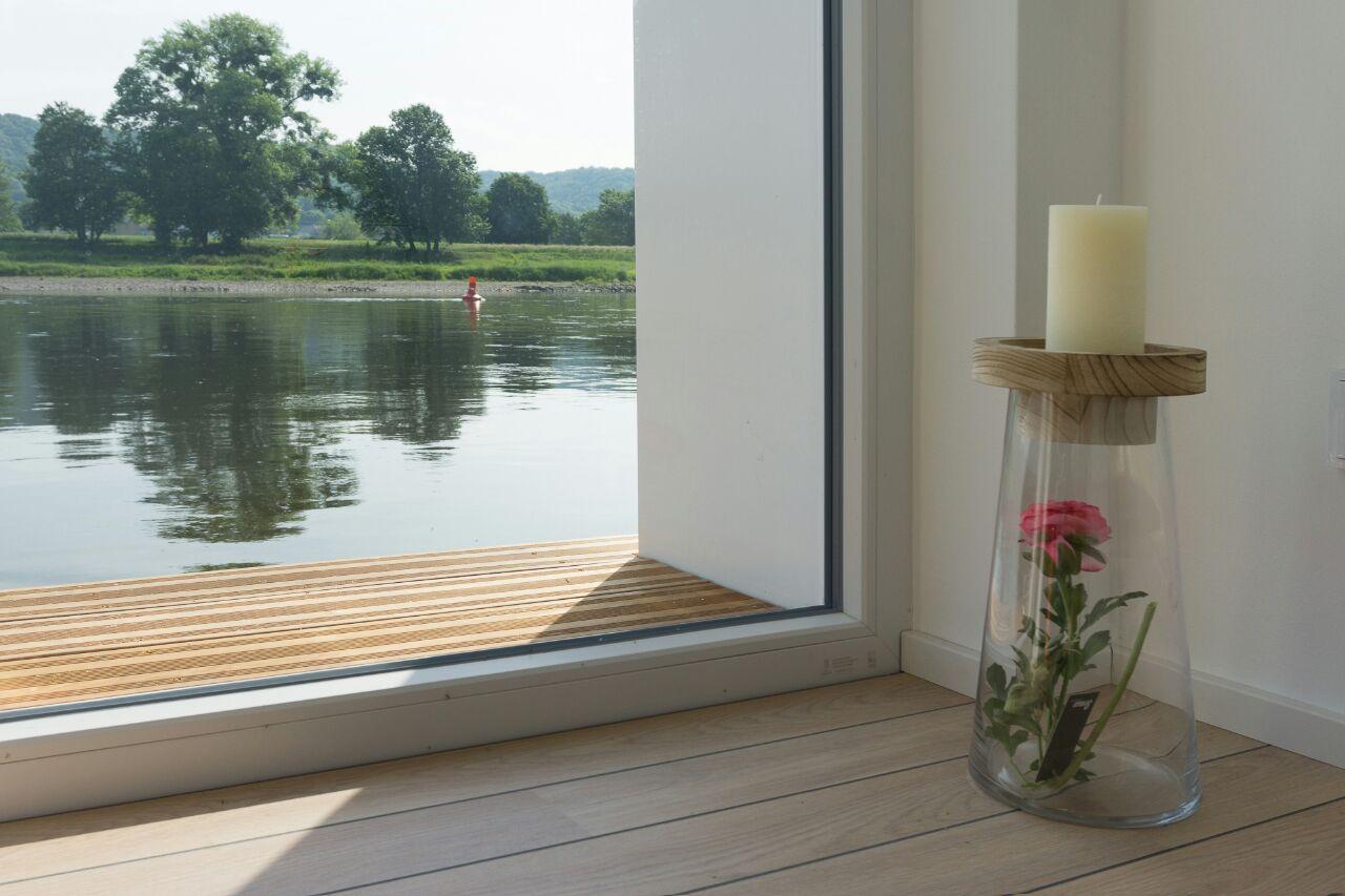 h2loft exklusives hausboot luxus komfort in freier natur. Black Bedroom Furniture Sets. Home Design Ideas